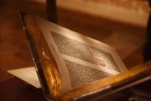 Gutenberg Bible 03