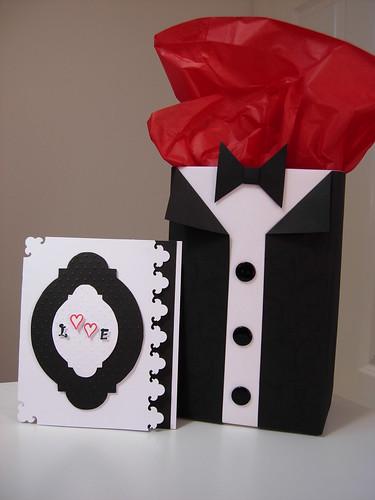 Tuxedo gift box and card