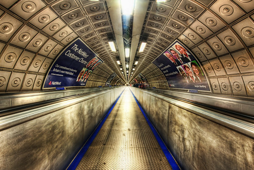 The People Mover by Trey Ratcliff (CC)