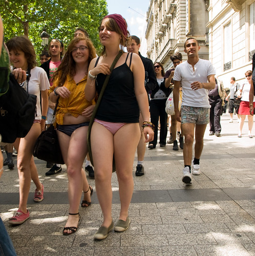 Without panties evening formula 1 street activities 7