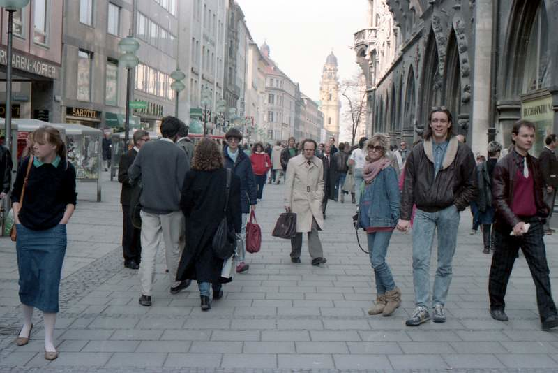 Walking Street, Munich (1987)