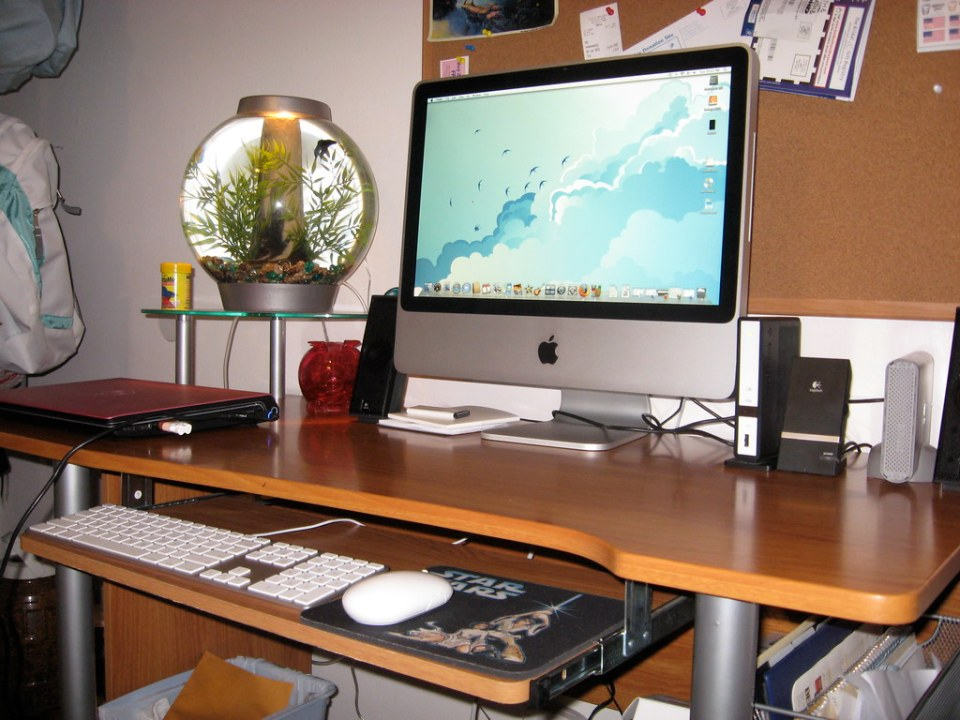 I am now the proud owner of a brand new iMac!