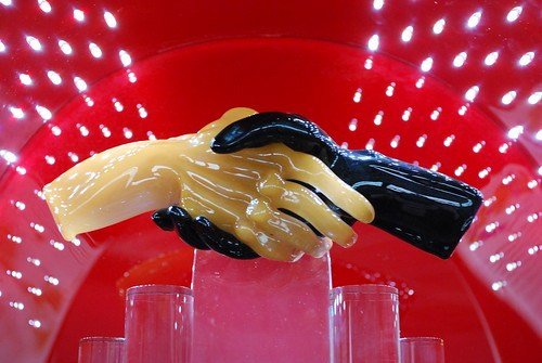 """""""A firm handshake"""" di Adam Fagen"""