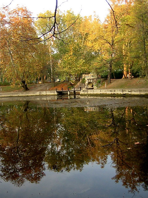 Is fall the best time to travel to europe we weigh the for Best europe travel deals