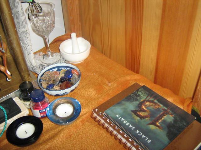Sobek/Heru shrine - right