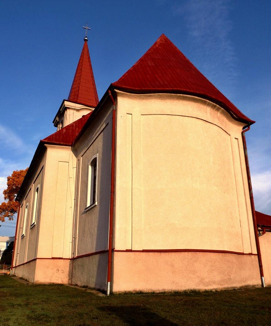 Hrušovský kostol - pohľad zozadu