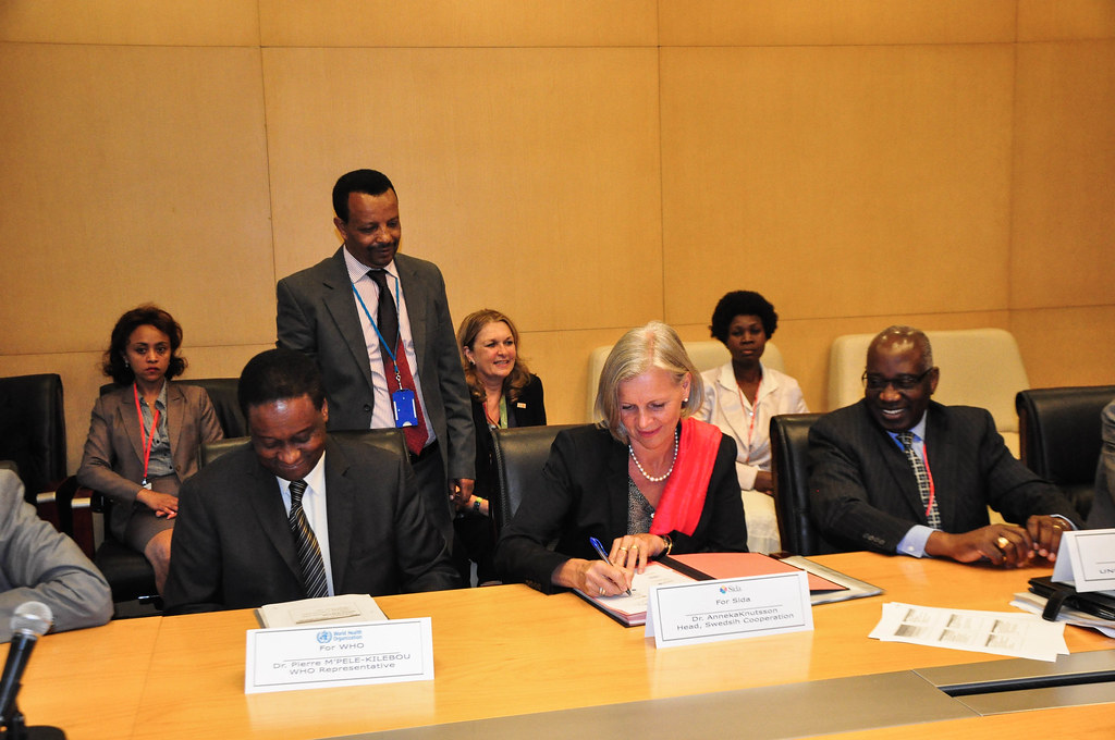 Anneka Knutsson, Head of Development Cooperation (SIDA), signs 'Accelerating Progress for Maternal and Newborn Health' programme document