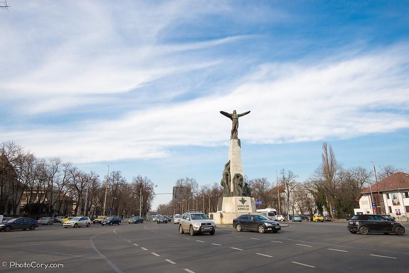 Statuie aviatorilor Bucuresti
