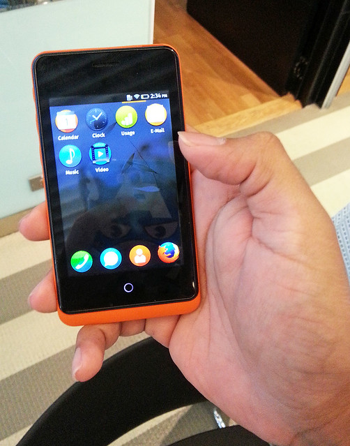 Firefox OS beta in my hand