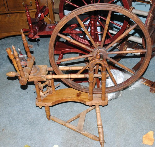 Swedish spinning wheel with norwegian double table syle and finnish double uprights