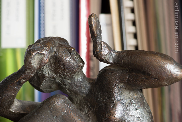 antimuseum.com-statuepigeon-0028