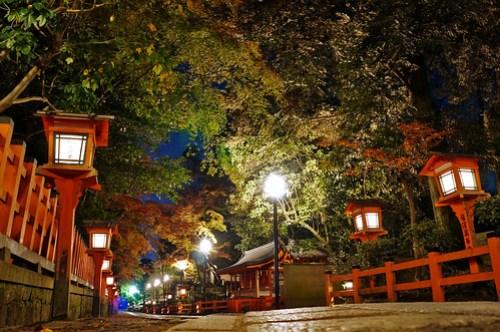 night street at Yasaka Shrine