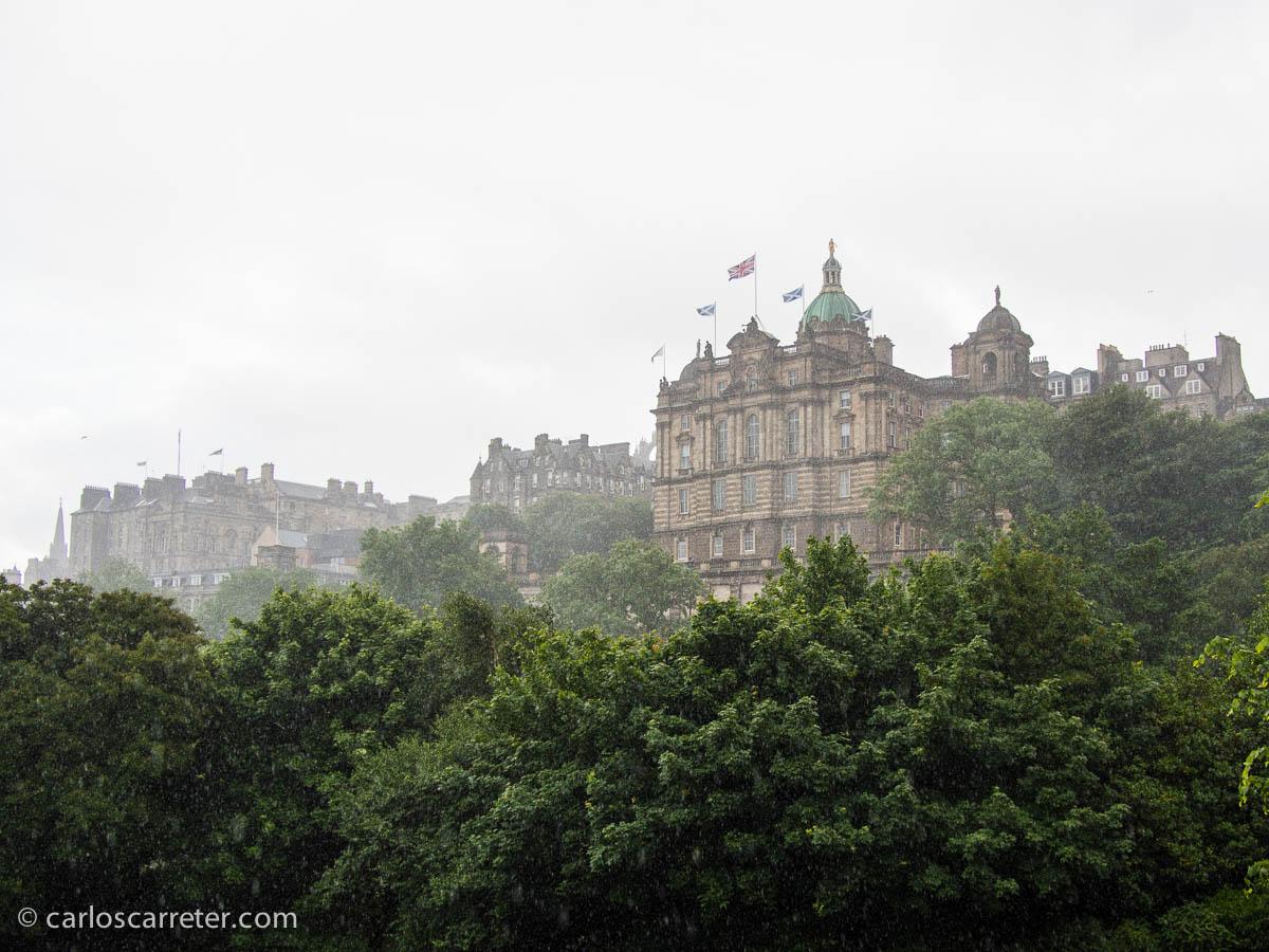 Edimburgo bajo la lluvia