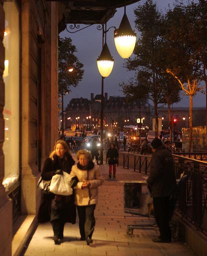 13k23 Les Halles Picasso nocturno y muy varios 182 variante Uti 415
