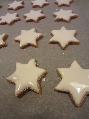 Zimtsterne - cinnamon star cookies by the james kitchen