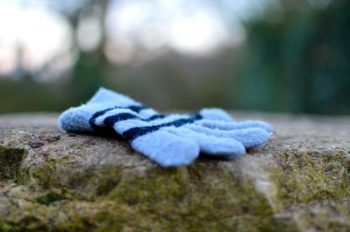 Isolated glove