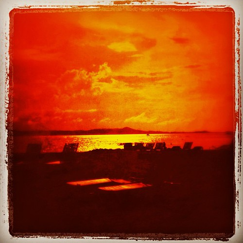 Caribbean #sunset by @MySoDotCom