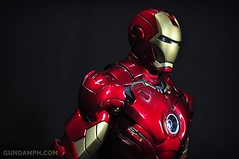 Hot Toys Iron Man 2 - Suit-Up Gantry with Mk IV Review MMS160 Unboxing - day1 (39)