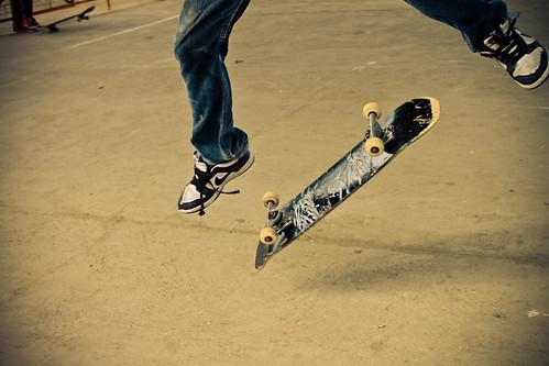 08/Skate/By Kimmy Baraoidan