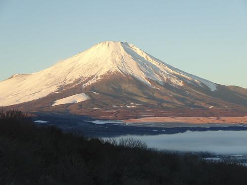 エクシブ山中湖の客室から見える紅富士
