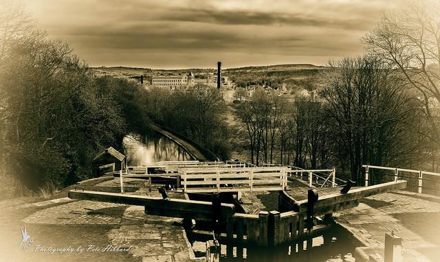 Five Locks Rising Bingley