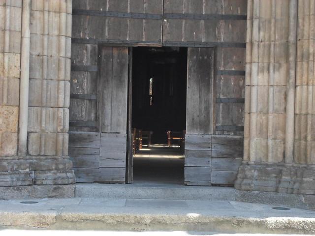 Peeking Inside St. Leonard