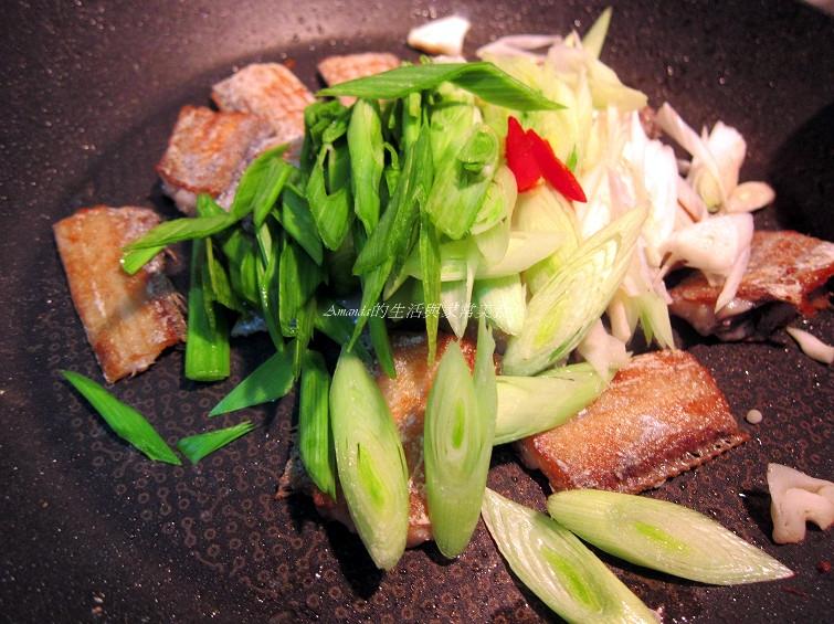 蒜苗燒帶魚 (2)