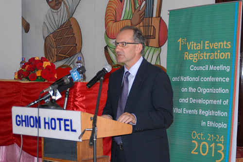 Dr. Peter Salama, UNICEF Representative to Ethiopia, makes a speech at the National Conference on Vital Events Registration
