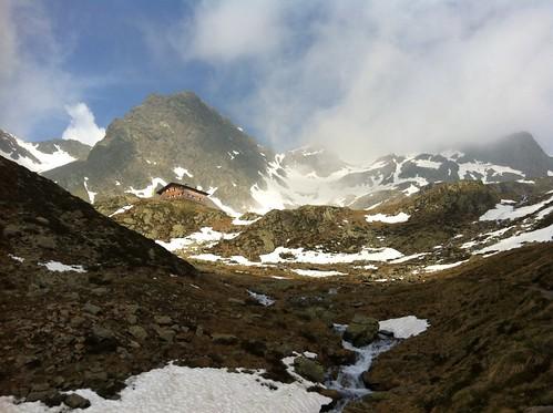 Tiefrastenhütte in Sicht