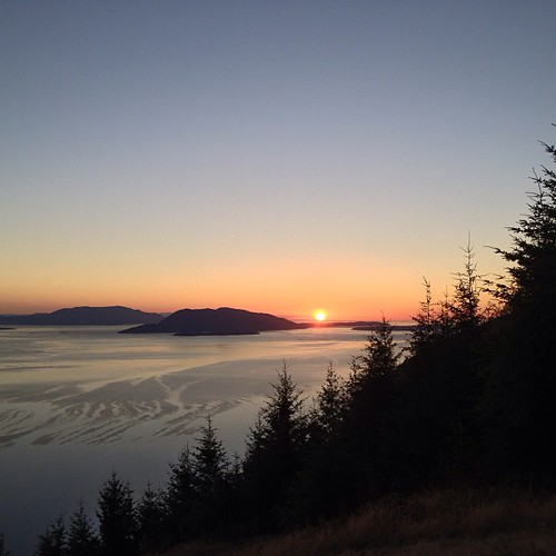 Have a great night #sunset over Bellingham WA by @MySoDotCom