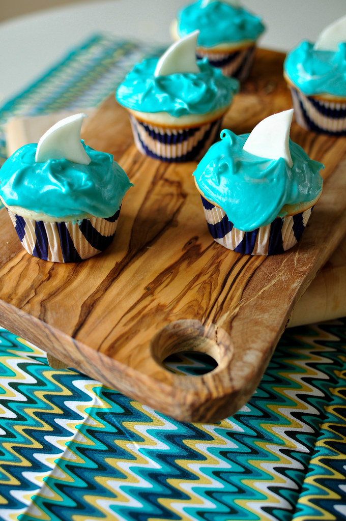Shark Cupcakes 1