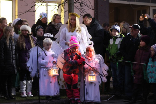 Please, angels, will you light our Christmas tree?