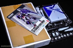 Metal Build 00 Gundam 7 Sword and MB 0 Raiser Review Unboxing (9)