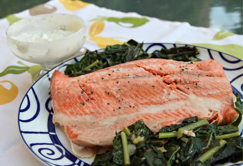 Salmon with kale and yogurt-horseradish sauce