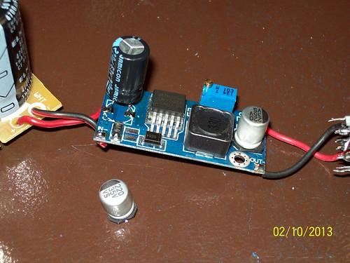 Adéu condensador SMD a 35V! Hola condensador amb potes a 63V!