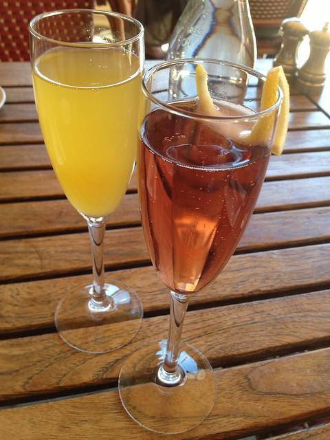 Bellini and Kir royal - L'appart Resto
