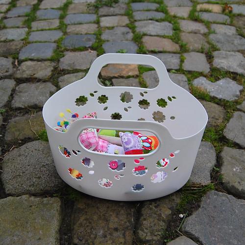 Studio Paars handmade patchwork embroidered pincushions handgemaakte patchwork gebroduurde speldenkussens