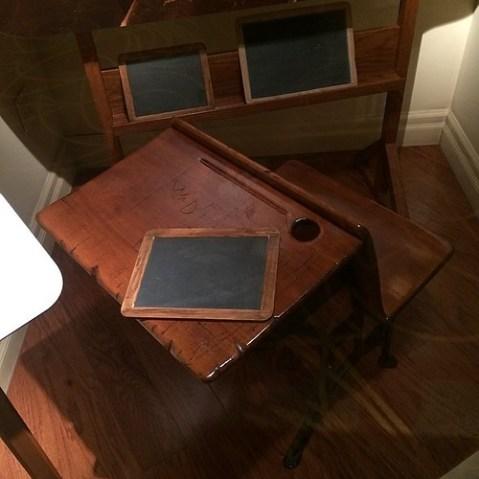 ウォルトの机。マーセリンにあるものが本物で、こちらはレプリカ。