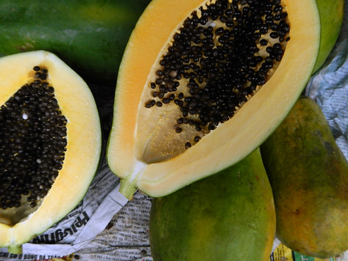 for Vietnamese Tet, the papaya, known as 'Du' symbolizes 'Medium'