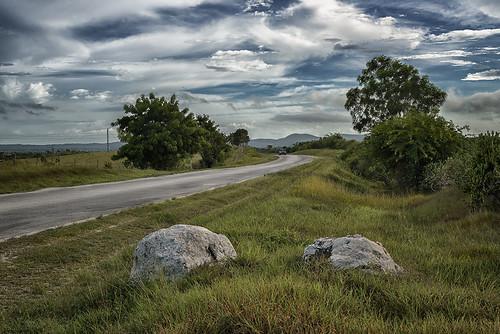 Camino a Gibara by Rey Cuba