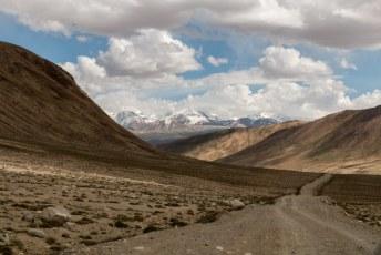 Vanaf het Yashikul meer namen we dit keer de afslag richting de Wakhan vallei.