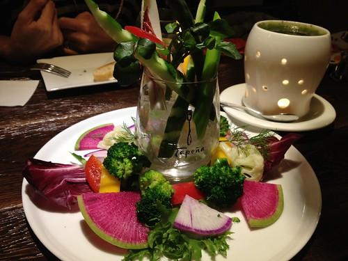 オススメ野菜のバーニャカウダ@トウキョウキュイジーヌ