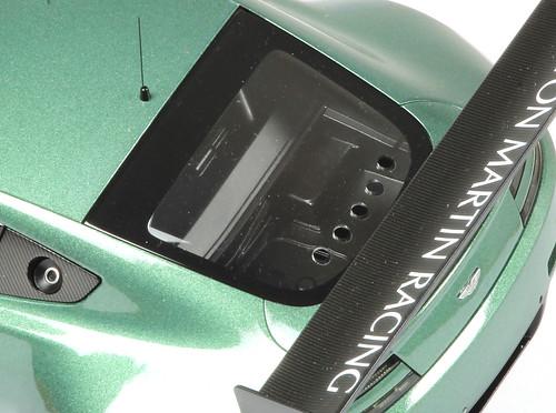 Aston_GT3_interno3