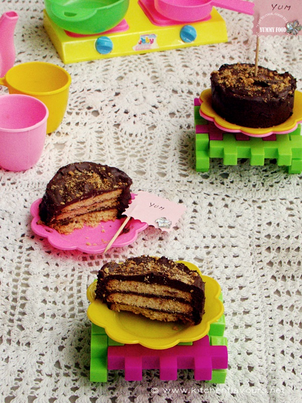 No-Bake Chocolate Biscuit Mini Cakes