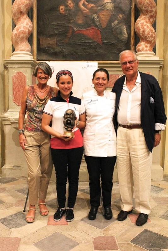 Premio Marietta award of Margarita Fores received by Patricia Locsin with HE Luca Fornari and Senora Silvana Fornari [IMG_2965]