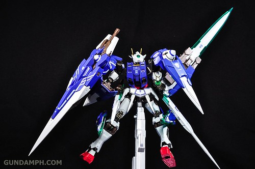 Metal Build 00 Gundam 7 Sword and MB 0 Raiser Review Unboxing (116)