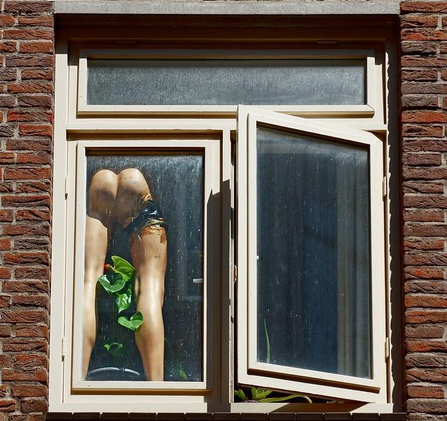 Inplaats van een kaars voor je raam.