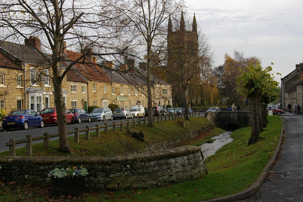 13. El pueblo de Hemsley, al norte del Yorkshire. Autor, Dvdbramhall