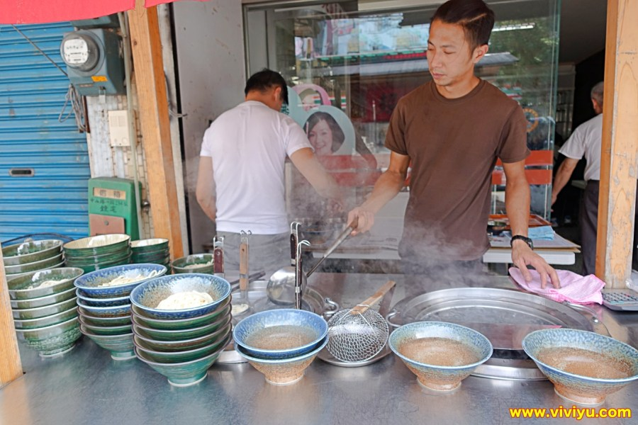 [宜蘭.美食]超牛B牛肉麵~隱藏版美食只賣週末時間.限量五十碗售完為止 @VIVIYU小世界