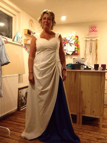 Tissue fitting weddingdress